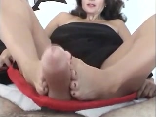 Persian milf blowjob - freshdatemilfs(dot)com
