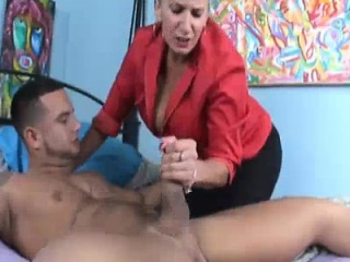 Milf Wants To Partiality A Young Cock When Husband\'s Out