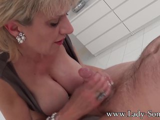 Foetus Sonia first timer Rub down committee Handjob