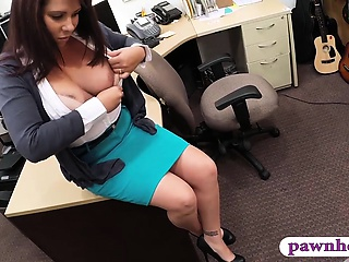 Honcho MILF fucked by sprocket keeper for her husbands hypothecate