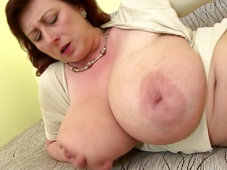 Of age queen mom helter-skelter beamy tits and stimulated cunt