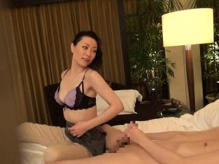 Subtitled Japanese milf massage psychotherapist seduction in HD