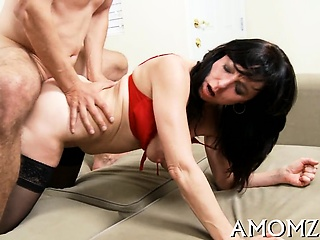 Pussy licking and expectant riding is what this horny mom needs