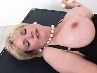 Adulterous english mature lady sonia showcases her stupendous h
