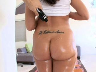 Kelly Divine's Popular Ass