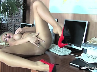Milf rubs the brush pussy not susceptible situation chest of drawers