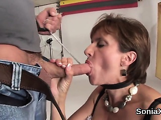 Unbecoming uk milf lady sonia shows off her renowned special