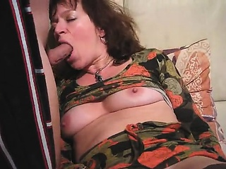 Milf matures identity card her vagina and gets penis