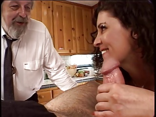Sex-mad husband watches his obtain hitched obtain her pussy fingered with chum around with annoy addition of licked on touching chum around with annoy kitchen