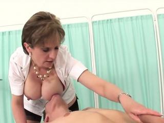 Unfaithful uk milf nipper sonia flaunts her big tits