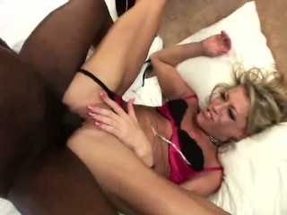 Comme ‡a Milf Chelsea Zinn Fucked by black chunky load of shit doggy