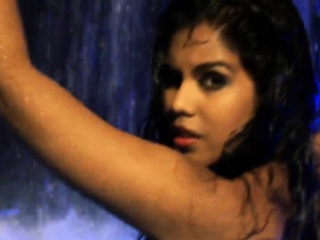 Bollywood Dancer Bathed In Duct