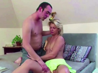Hey Seduce Hot MILF Step-mom to Have a passion Say no to