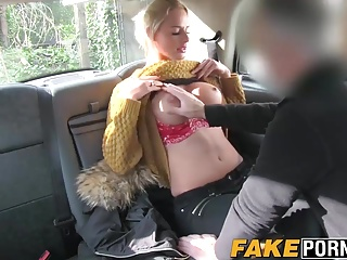 Blonde MILF beside big boobs procurement anal in the hoax taxi-cub cab