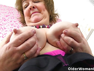 British granny Susan feeds say no to hungry cunt at hand dildo