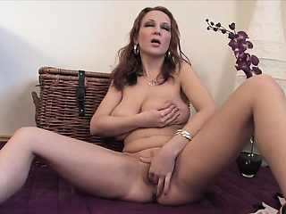 Busty momma - mrcamporn