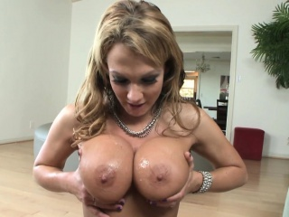 Dominate MILF wanking locate approximately her bigtits POV
