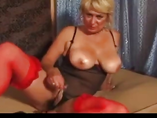 Charming mom with real boobs & smooth by a cunt!