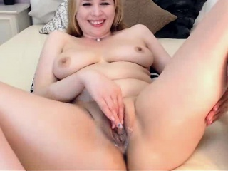 Hot Russian Webcam Girl Masturbates Far Turning-point