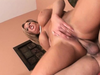 Dramatize expunge kermis MILF Zoey Andrews, is bringing off pool with her...