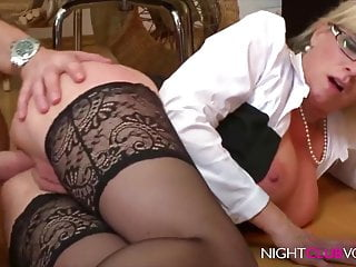 NIGHTCLUB VOD - Office, go to the happy hunting-grounds notgeile Chefin MILF