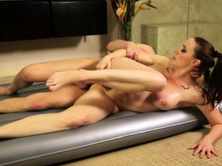 Gorgeous masseuse gender