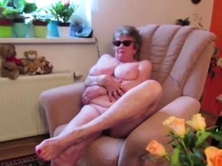 OmaGeiL Real Granny Succulent Pussy Closeup Video