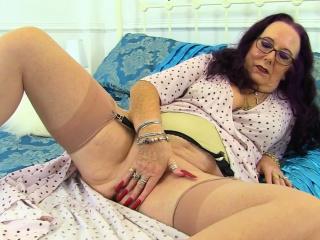 English granny Zadi calmness loves fretting her old fanny