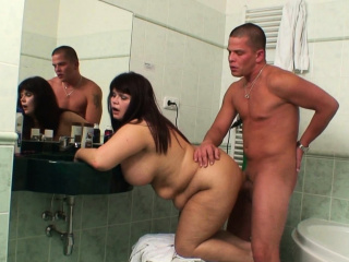 Huge boobs mother-in-law pleases him with respect to take a piss