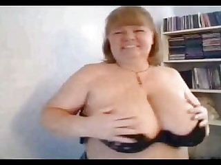 Mama Carla brandishing strapping knockers on webcam