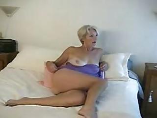 xxx pan-pipe Mature Justine Posing 3