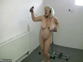 OldNannY Bungler blonde Granny Lesbian