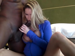Milf Pregnant With Glowering Coddle - Cuckold