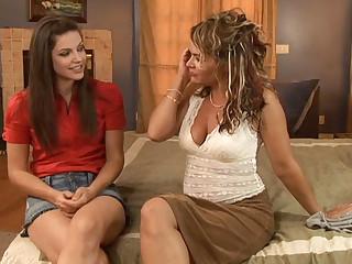 Bobbi Starr & Kelly Leigh take Lesbian Seductions #16, Chapter #03