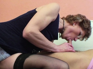 Mom hither perfect body want up fuck german step-son !